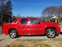 Picture of 2011 Chevrolet Avalanche LTZ 4WD, gallery_worthy