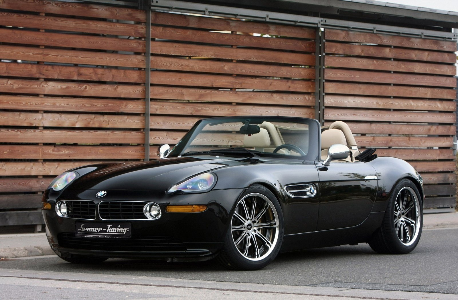 All BMW Z8 were stickshifts and all Alpina Zz8 where automatics - that I  know of. For specific numbers by color have a look at this accurate  calculator ...