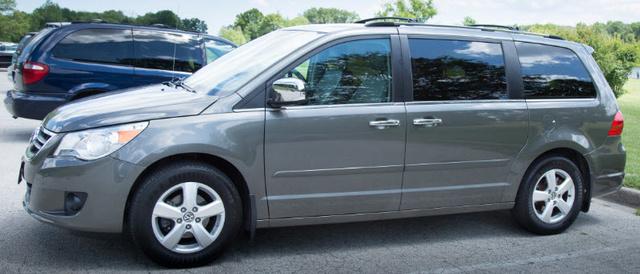 Picture of 2010 Volkswagen Routan SEL Premium CARB