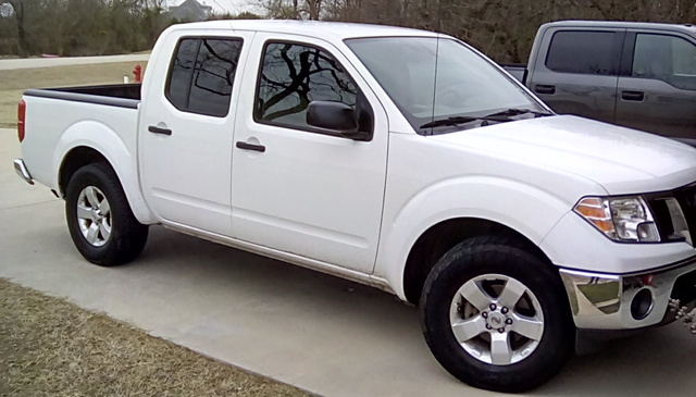 Picture of 2010 Nissan Frontier SE Crew Cab