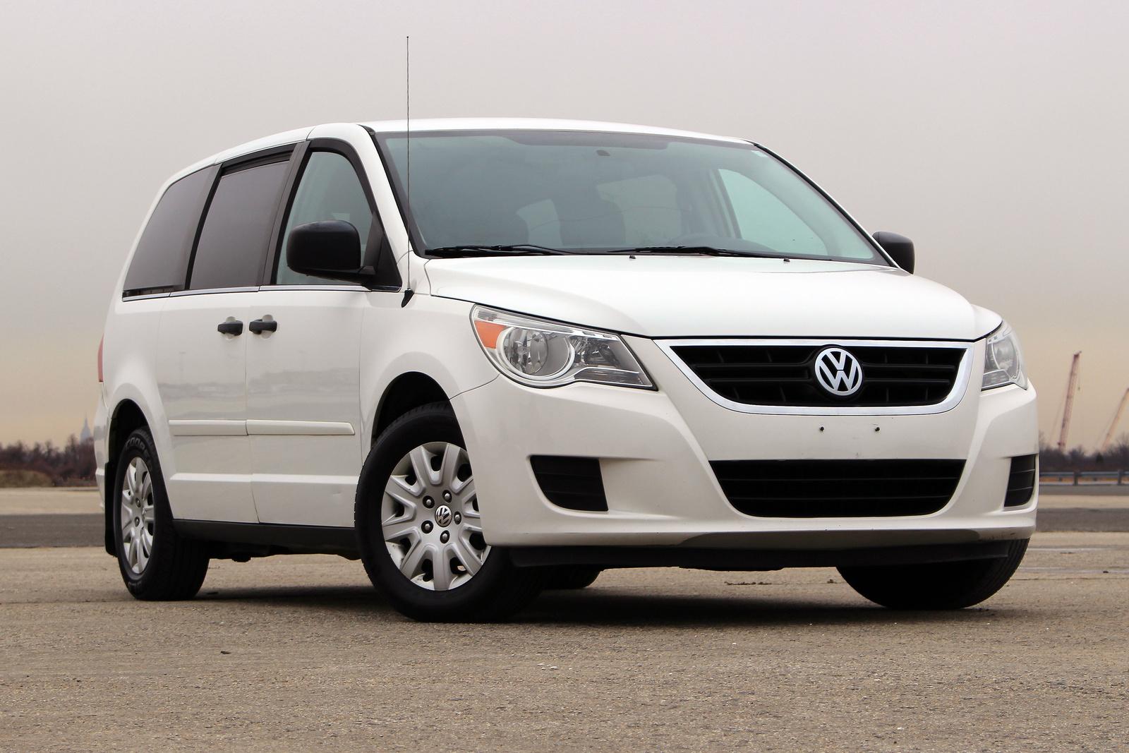 2011 Volkswagen Routan - Overview - CarGurus