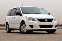 2011 Volkswagen Routan Overview