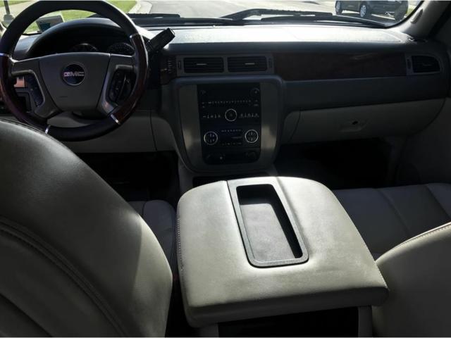 Picture of 2009 GMC Sierra 2500HD SLT Crew Cab, interior, gallery_worthy
