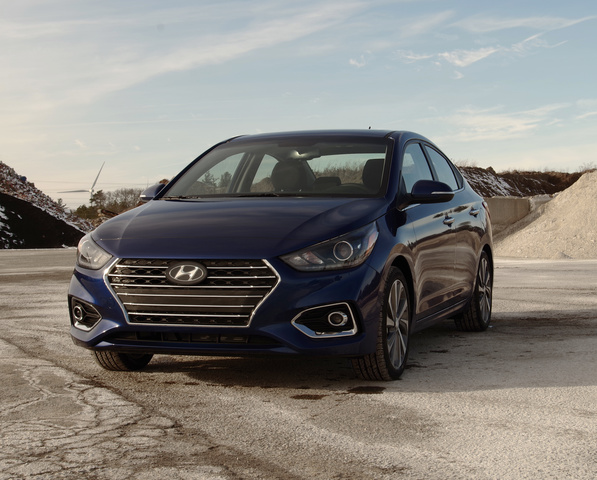 2018 Hyundai Accent Front View