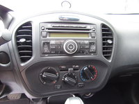 Picture of 2014 Nissan Juke S, interior, gallery_worthy