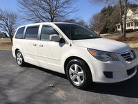 Picture of 2010 Volkswagen Routan SEL w/ RSE and Nav, gallery_worthy