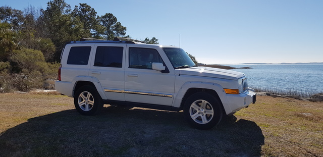 Picture of 2009 Jeep Commander Limited 4WD