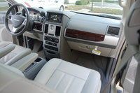 Picture of 2010 Chrysler Town & Country Touring, gallery_worthy