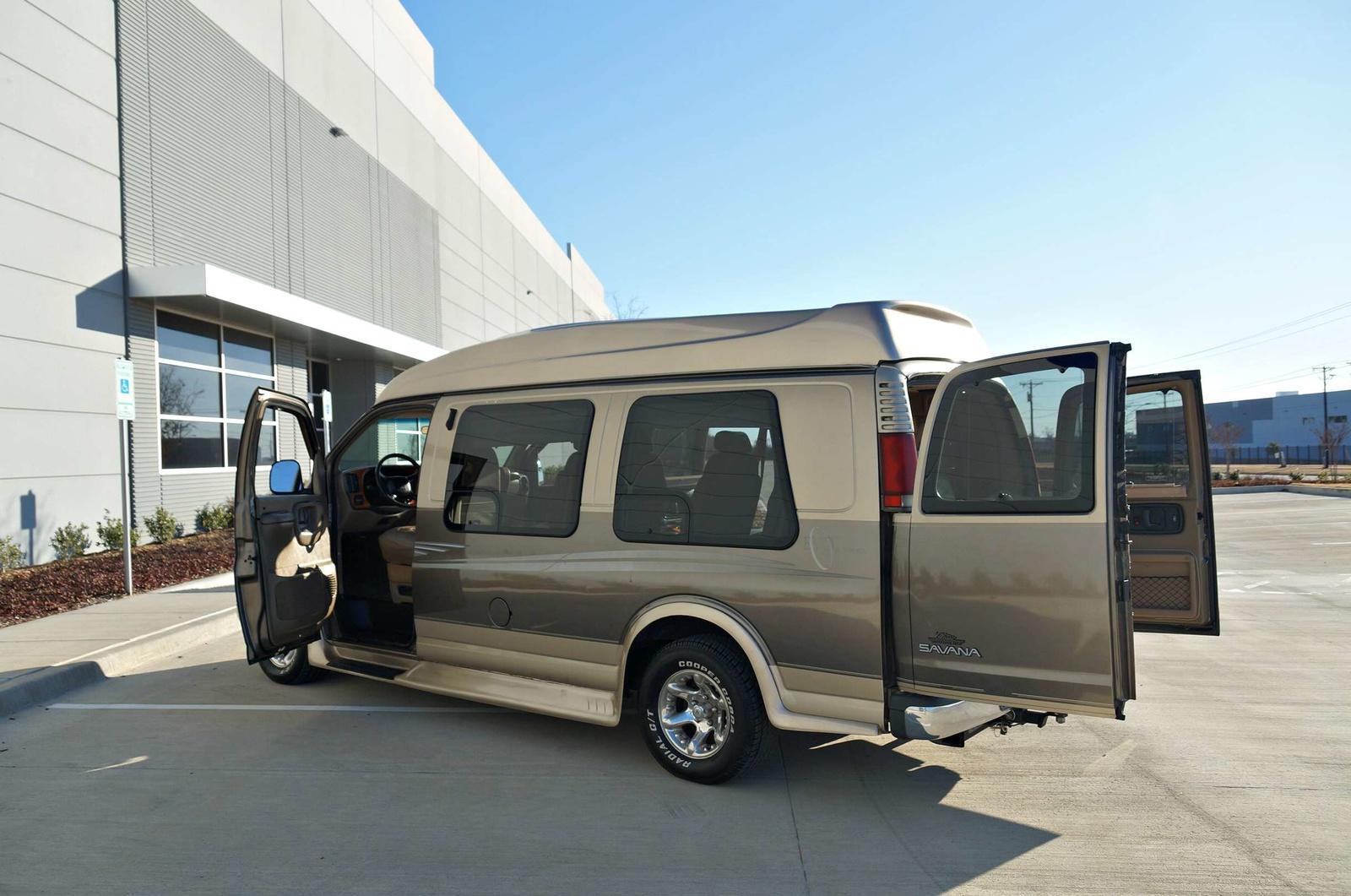 2007 gmc savana passenger van