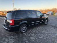 Picture of 2011 Chrysler Town & Country Limited, gallery_worthy