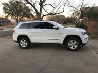 Picture of 2017 Jeep Grand Cherokee Laredo, exterior, gallery_worthy