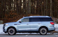 Side of the 2018 Lincoln Navigator., exterior, gallery_worthy