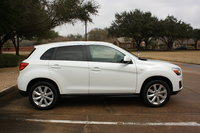 Picture of 2013 Mitsubishi Outlander ES, gallery_worthy