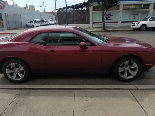 Picture of 2018 Dodge Challenger SXT