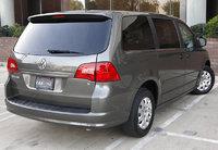 Picture of 2010 Volkswagen Routan SEL Premium, gallery_worthy