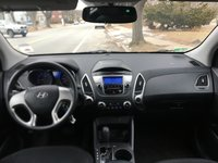 Picture of 2011 Hyundai Tucson GL, gallery_worthy