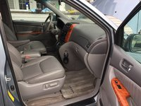 Picture of 2010 Toyota Sienna XLE, gallery_worthy