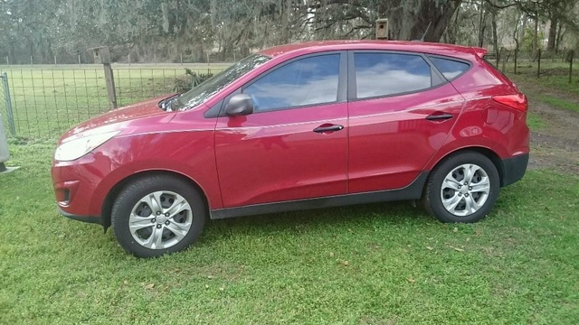 Picture of 2010 Hyundai Tucson GLS