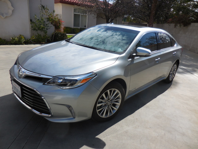 Picture of 2016 Toyota Avalon Hybrid Limited FWD