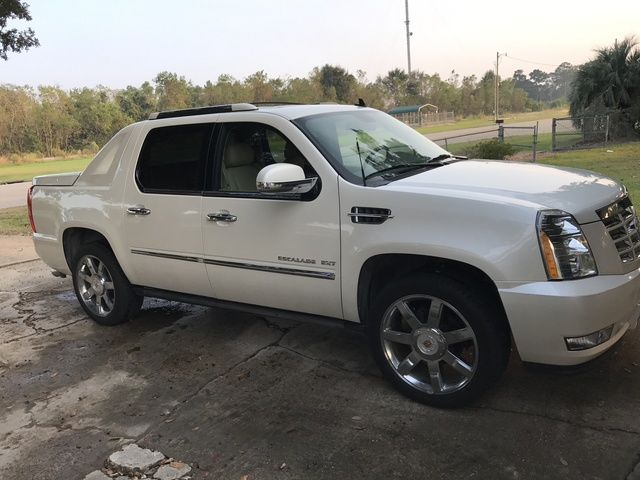 Picture of 2013 Cadillac Escalade EXT Luxury 4WD, exterior, gallery_worthy