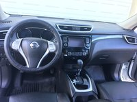 Picture of 2016 Nissan Rogue SL AWD, interior, gallery_worthy