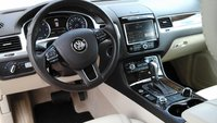 Picture of 2014 Volkswagen Touareg TDI Executive, interior, gallery_worthy