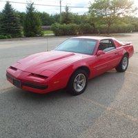 1990 Pontiac Firebird Overview
