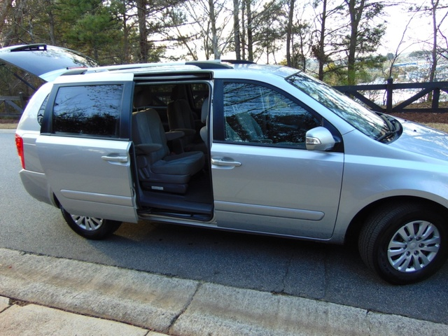Picture of 2011 Kia Sedona EX