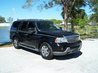 2003 Lincoln Navigator Overview