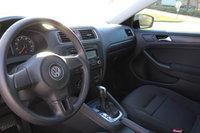 Picture of 2011 Volkswagen Jetta Base, interior, gallery_worthy