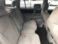 Picture of 2013 Toyota Highlander Plus, interior, gallery_worthy