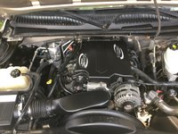 Picture of 2005 Chevrolet Suburban 2500 4WD, engine, gallery_worthy