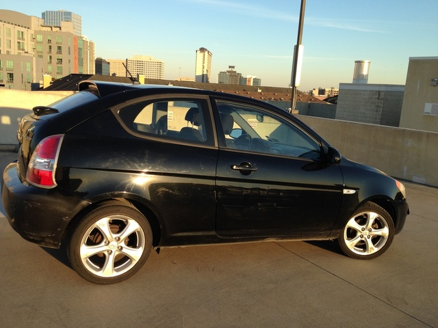 Picture of 2008 Hyundai Accent SE 2-Door Hatchback FWD, exterior, gallery_worthy