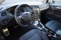 Picture of 2017 Volkswagen Golf Alltrack S 4Motion AWD, interior, gallery_worthy