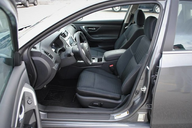 Picture Of 2017 Nissan Altima 2.5 S, Interior, Gallery_worthy
