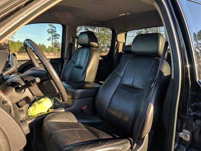 Picture of 2009 GMC Sierra 3500HD SLT Crew Cab DRW 4WD, interior, gallery_worthy