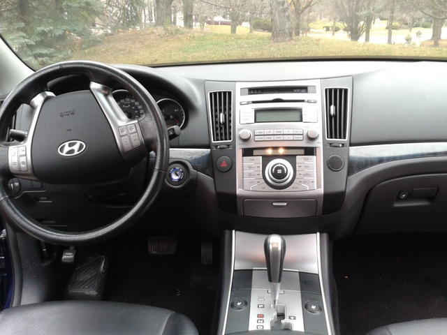 Picture of 2011 Hyundai Veracruz GLS AWD, interior, gallery_worthy