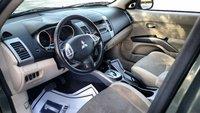 Picture of 2009 Mitsubishi Outlander SE, interior, gallery_worthy