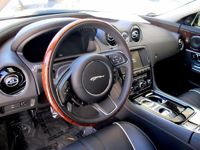 Picture of 2016 Jaguar XJ-Series XJ R-Sport RWD, interior, gallery_worthy