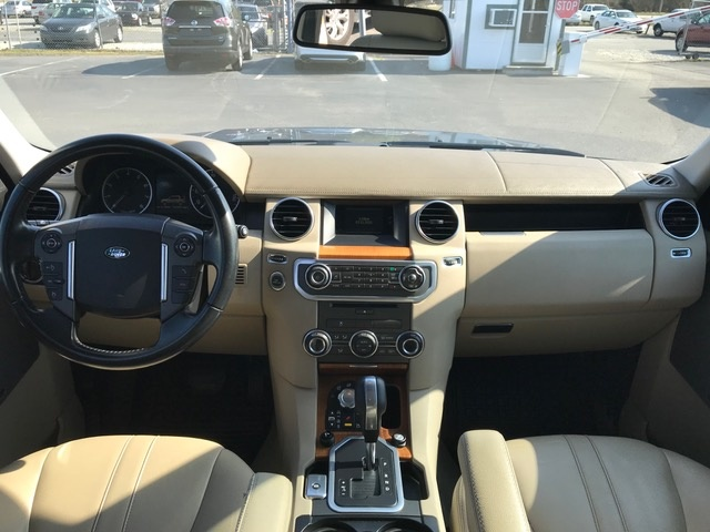 Awesome Picture Of 2011 Land Rover LR4 Base, Interior, Gallery_worthy