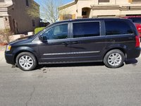 Picture of 2016 Chrysler Town & Country Touring FWD, exterior, gallery_worthy