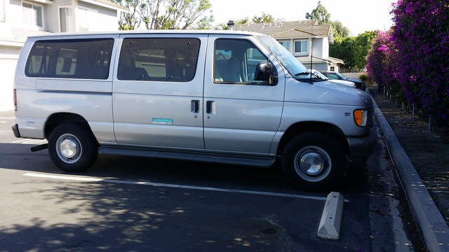 Picture of 2002 Ford E-Series Wagon E-350 Super Duty XL, exterior, gallery_worthy