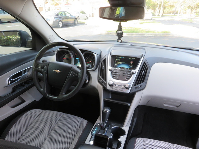 Picture of 2017 Chevrolet Equinox L FWD, interior, gallery_worthy