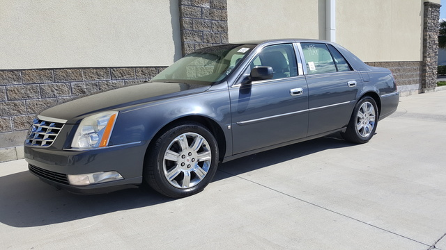 Picture of 2009 Cadillac DTS Performance FWD