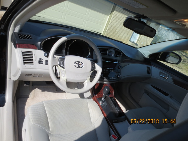 Picture of 2012 Toyota Avalon Limited, interior, gallery_worthy