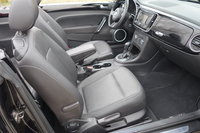 Picture of 2013 Volkswagen Beetle 2.5L Convertible w/ Technology, interior, gallery_worthy