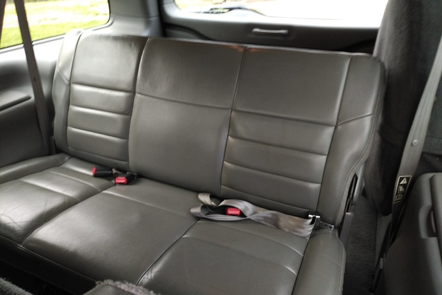 Good Picture Of 2002 Ford Excursion XLT 4WD, Interior, Gallery_worthy