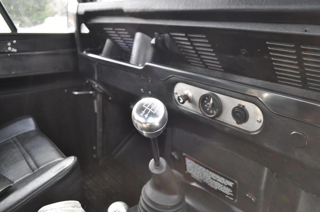 Picture of 1991 Land Rover Defender 110, interior, gallery_worthy