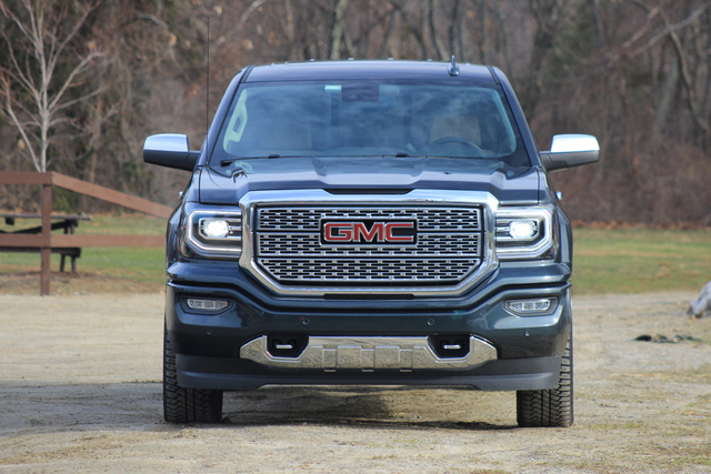 Front 3/4 of the 2018 GMC Sierra 1500.
