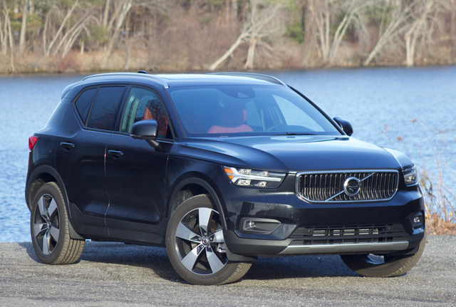 Front 3/4 of the 2019 Volvo XC40